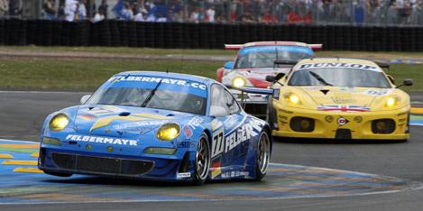 Supercars at Le Mans Race Circuit