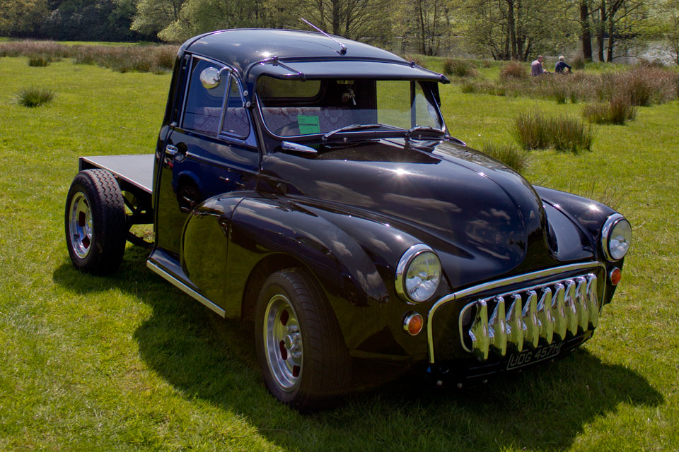 morris minor pickup, capesthorne hall, classic car show