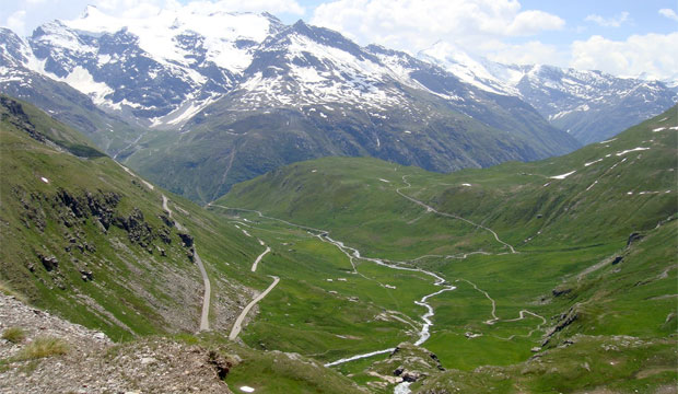 Col de L'Iseran driving holiday
