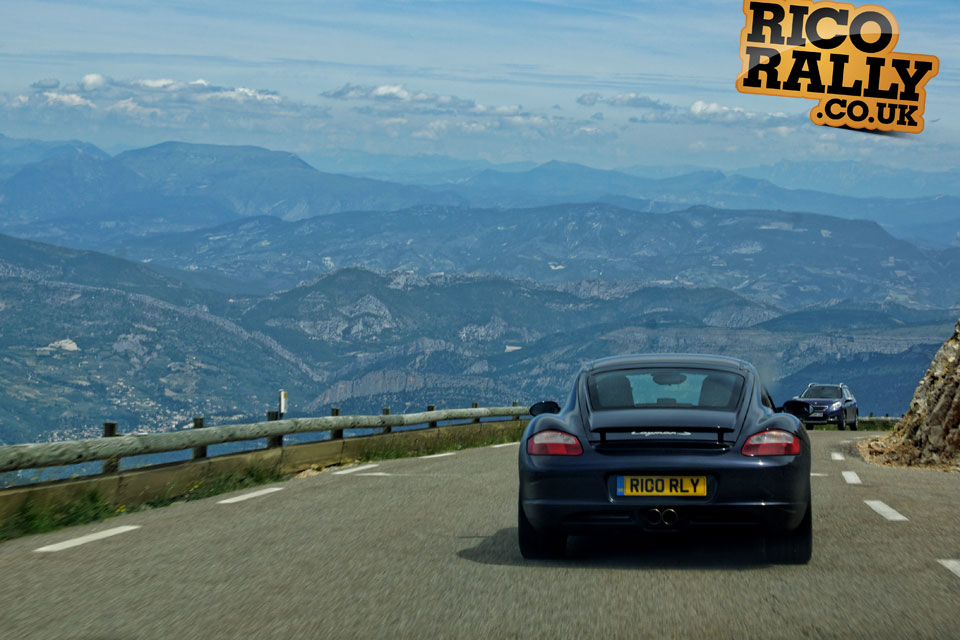 Porsche Cayman S in tle Alps