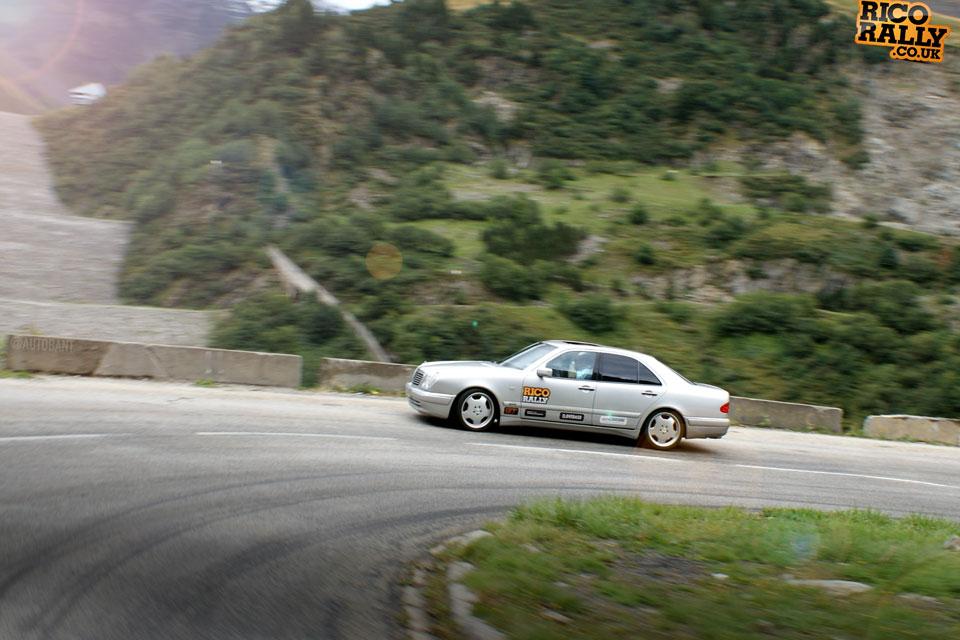 Mercedes E36 in the Alps